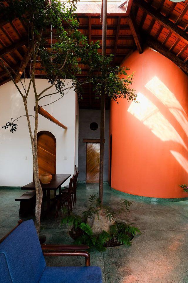 Ngôi nhà ngói ấm cúng như ngôi nhà nhỏ trên thảo nguyên của cặp vợ chồng giáo viên ở Lâm Đồng - Ảnh 12.