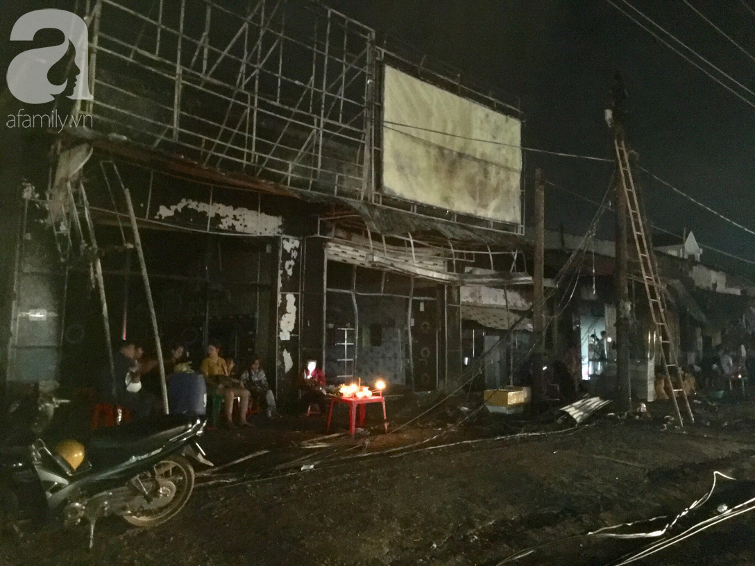 Nghẹn lòng cảnh chồng đưa thi thể vợ và 2 con nhỏ về quê sau vụ cháy xe bồn chở xăng ở Bình Phước - Ảnh 6.
