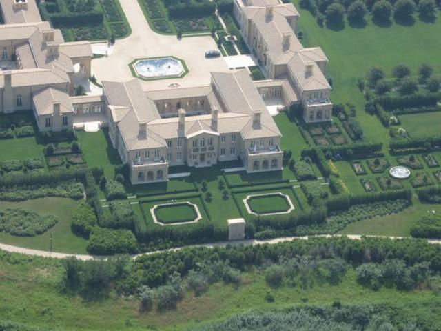 Bên trong ngôi làng toàn dinh thự triệu đô ở Mỹ - Ảnh 7.