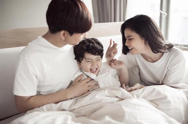 Vừa tâm sự ly hôn chỉ là chuyện giấy tờ, Tim bất ngờ tuyên bố hết yêu, ngó Facebook Trương Quỳnh Anh thì thấy điều này - Ảnh 3.
