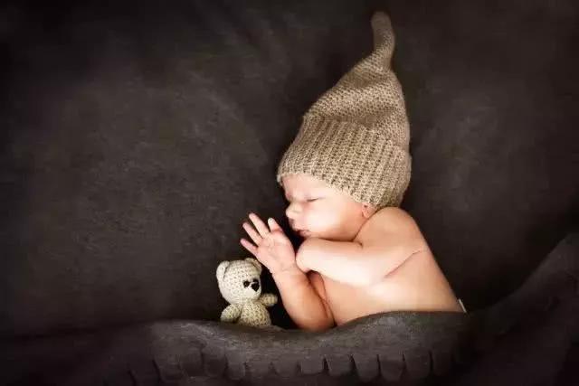 Rất nhiều trường hợp trẻ chết vì ngạt thở khi ngủ, cha mẹ cần làm những việc dưới đây - Ảnh 3.