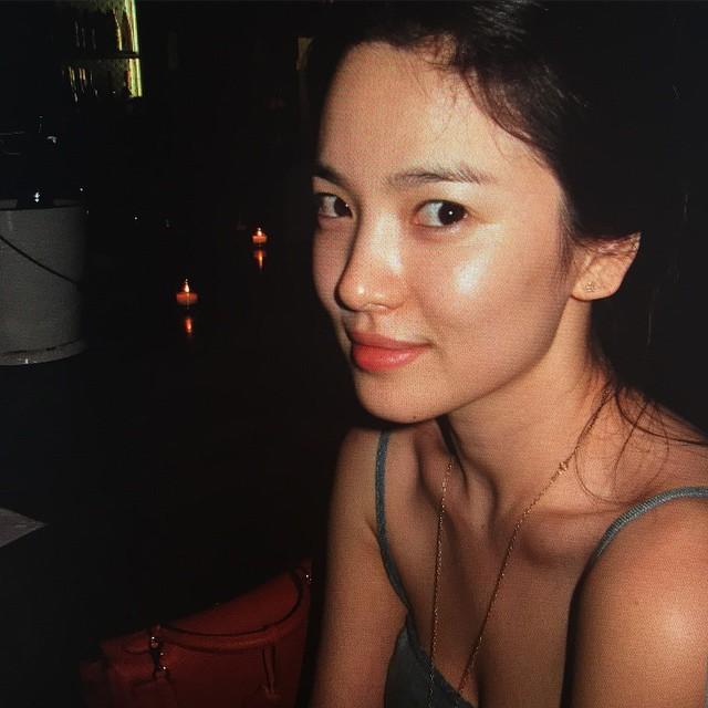 Cứ ngưỡng mộ Song Hye Kyo đã U40 mà vẫn trẻ trung, nào biết cô còn nhờ vào 6 tips làm đẹp giản đơn này - Ảnh 3.