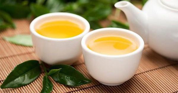 4 cách uống trà xanh gây hại sức khỏe: Nếu bạn đang mắc thì nên sửa ngay - Ảnh 1.
