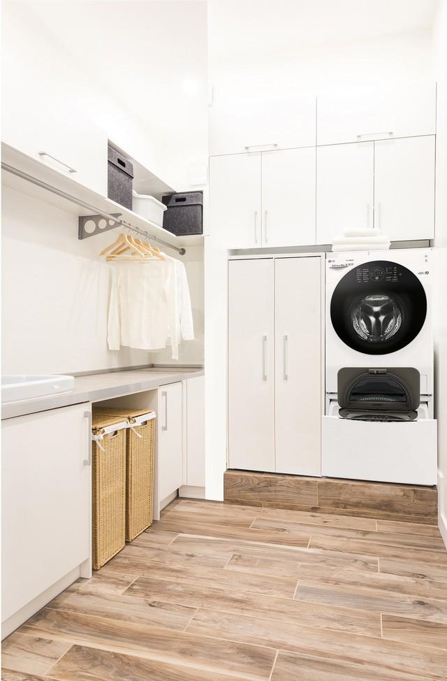 Thiết kế góc giặt sấy siêu tiện lợi cho nhà đông người - Ảnh 4.