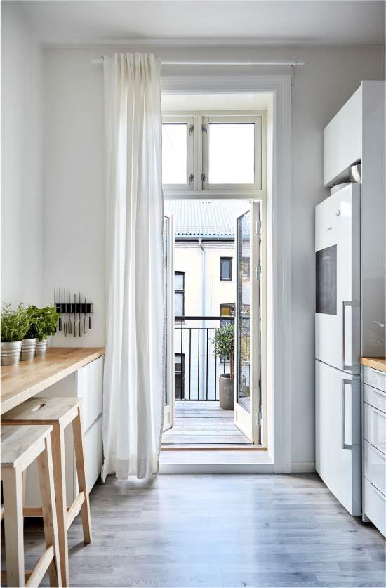 Cách chọn rèm cửa cho nhà bếp kết nối với ban công vừa đẹp vừa thuận tiện đi lại - Ảnh 22.