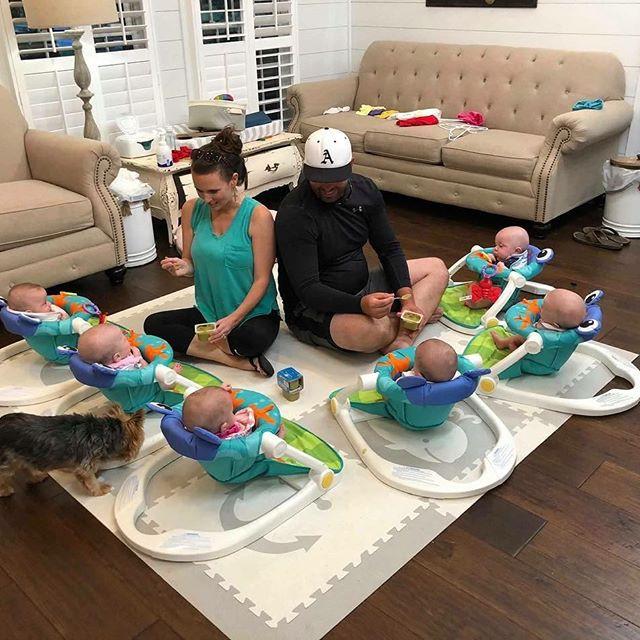 """Cuộc sống siêu bận rộn của gia đình sinh 6 em bé """"đẹp tựa thiên thần - Ảnh 20."""