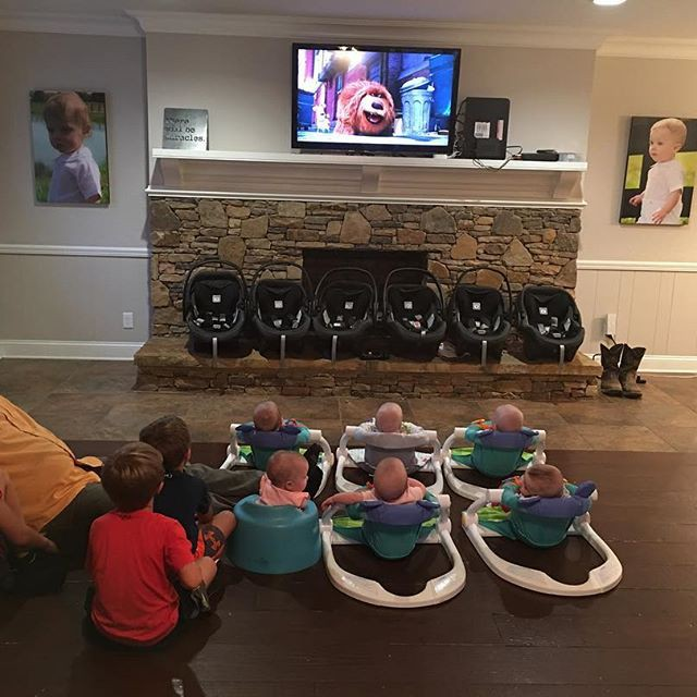 """Cuộc sống siêu bận rộn của gia đình sinh 6 em bé """"đẹp tựa thiên thần - Ảnh 21."""