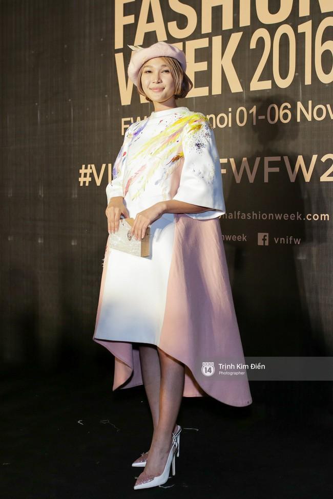 Đời rất lạ: Một cô nàng được trao bằng khen Fashionista nhưng lại có tần suất mặc xấu ngang với mọi thảm họa - Ảnh 3.