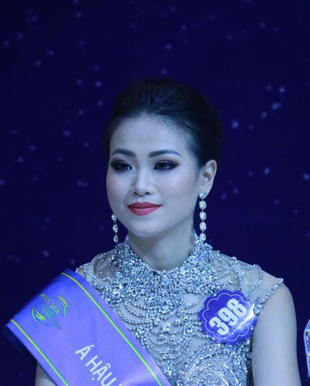 Xem ảnh Tân Hoa hậu Trái đất 2018 vừa đăng quang mới giật mình vì nhan sắc chỉ sau nửa năm đã thay đổi đến lạ kỳ! - Ảnh 7.
