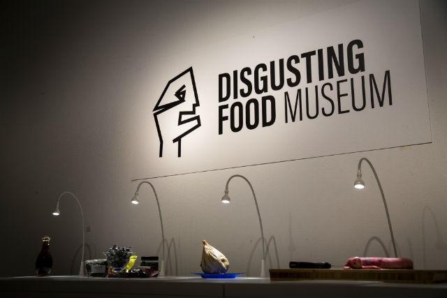 4 món ăn cực quen thuộc của Việt Nam bất ngờ xuất hiện trong bảo tàng những món ăn kinh dị tại Thụy Điển - Ảnh 1.