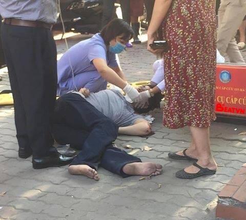 Hà Nội: Nam thanh niên thoát chết sau khi rơi từ tầng 5 trúng yên xe máy - Ảnh 1.