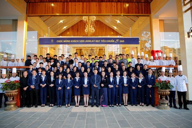 Công bố quyết định công nhận Khách sạn Ladalat đạt tiêu chuẩn 5 sao - Ảnh 2.