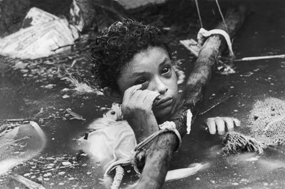 Bi kịch của Omayra Sanchez và đôi mắt đen hấp hối vẫn ám ảnh cả thế giới dù cho đã 33 năm trôi qua - Ảnh 6.