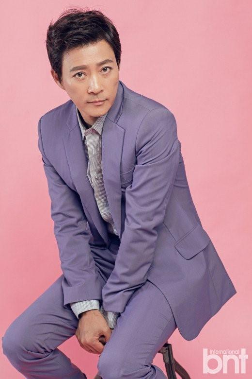 """Choi Soo Jong: San Hiếc của """"Mối tình đầu"""" ngày nào giờ đã U60 có cuộc sống hôn nhân viên mãn bên ngọc nữ xứ Hàn  - Ảnh 8."""