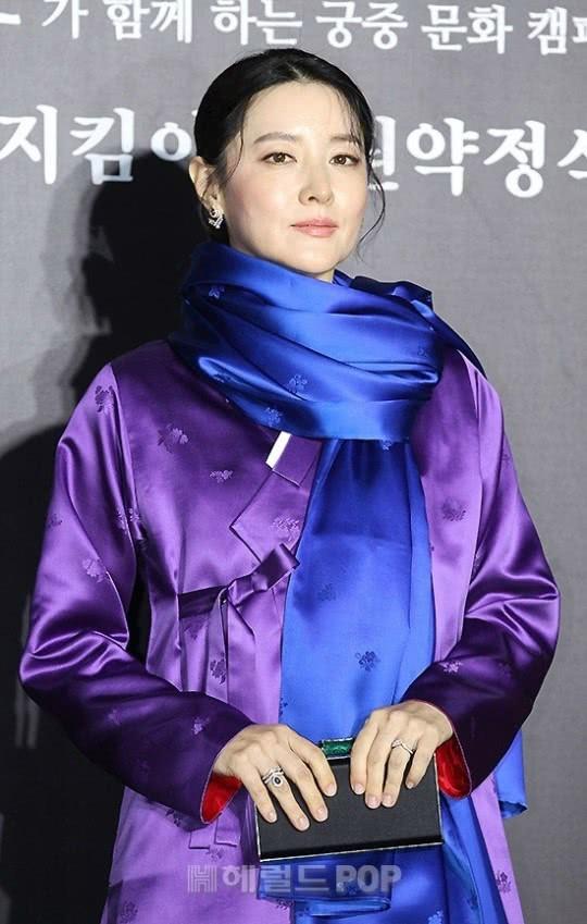 Xinh đẹp thôi chưa đủ, đây mới là điều khiến nữ thần nhan sắc nào cũng phải ghen tị với Lee Young Ae  - Ảnh 3.