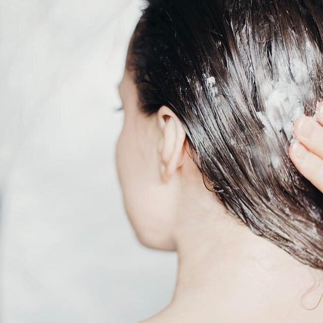 Tham khảo ngay 4 xu hướng làm đẹp được phụ nữ hiện đại lăng xê để tóc đẹp khỏi chê lúc giao mùa - Ảnh 2.