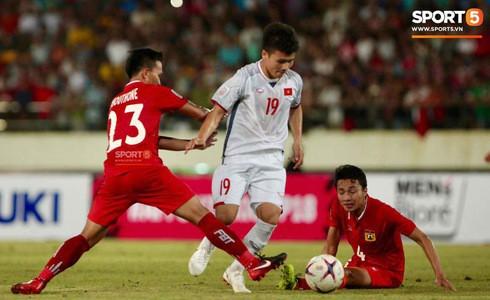 Lào 0-3 Việt Nam: Hàng công rực sáng, Việt Nam ra quân thuận lợi tại AFF Cup 2018 - Ảnh 25.