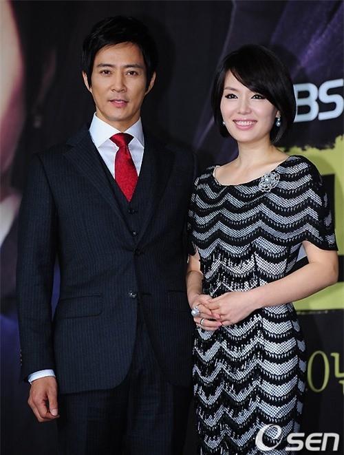"""Choi Soo Jong: San Hiếc của """"Mối tình đầu"""" ngày nào giờ đã U60 có cuộc sống hôn nhân viên mãn bên ngọc nữ xứ Hàn  - Ảnh 6."""