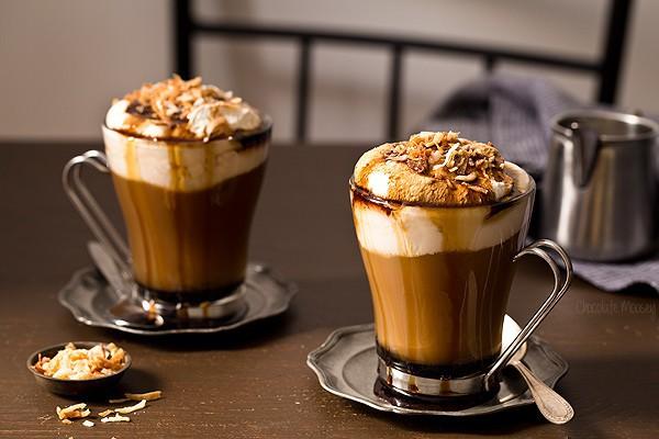 Mùa đông uống cà phê nóng bạn hãy nhớ ngay 2 cách pha cà phê siêu ngon nhé! - Ảnh 1.