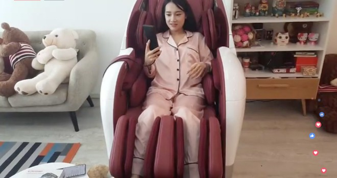1539773362-21-lan-dau-livestream-sau-ket-hon-nha-phuong-lo-bung-to-screen-shot-2018-10-17-at-112820-am-15397514307921-1539769555-width660height349