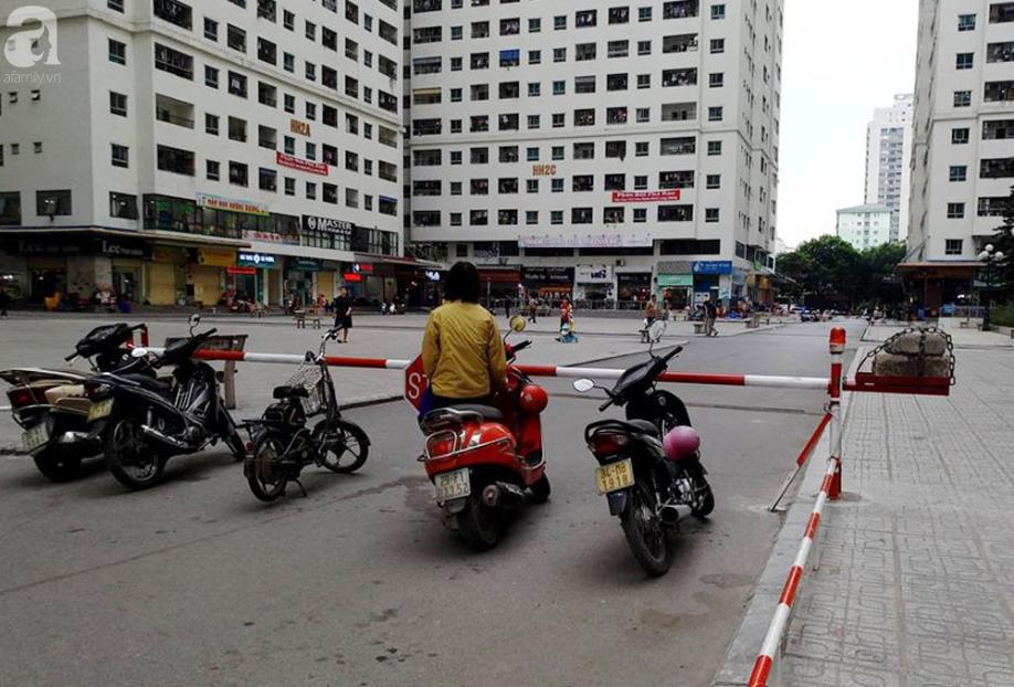 Tranh cãi gay gắt giữa cư dân và nhóm ki-ốt kinh doanh tại chung cư HH Linh Đàm - Ảnh 1.