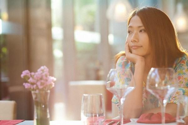 """Hơn 30 tuổi, cuộc sống màu hồng, hạnh phúc rạng ngời thì việc gì phải """"xoắn"""" chuyện chồng con! - Ảnh 2."""