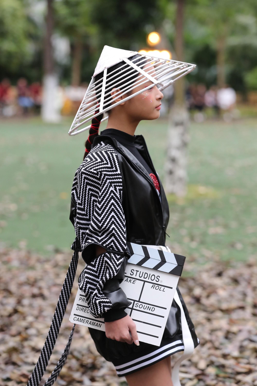 be bo - con gai phan anh xuat hien an tuong trong trang phuc st fashion (2)