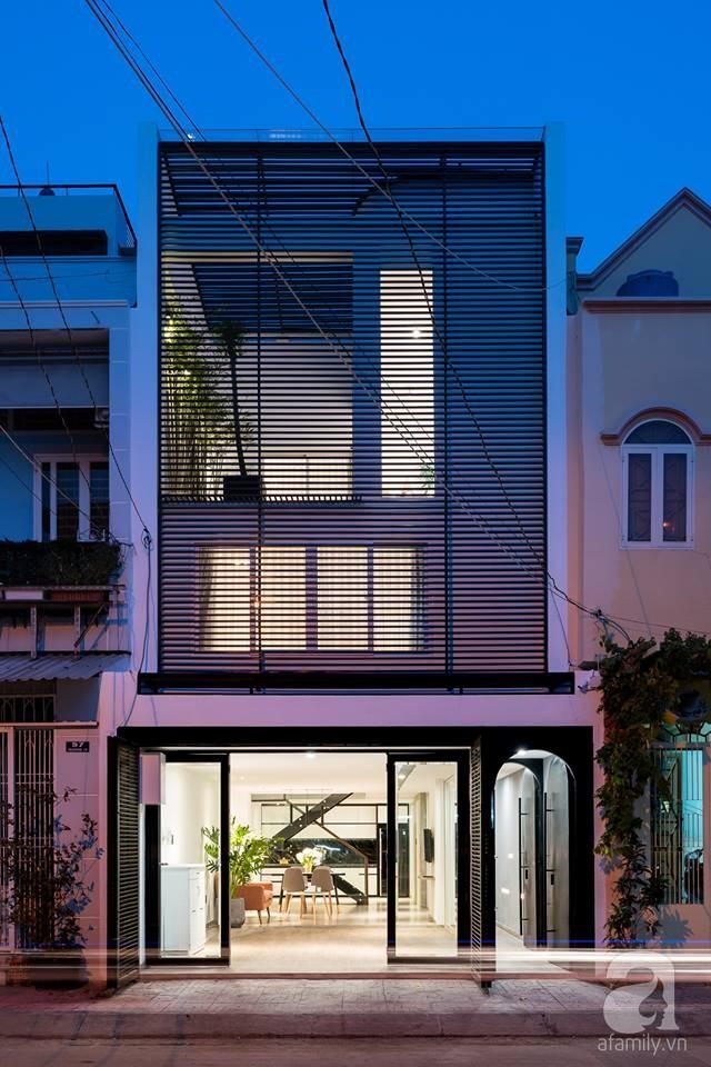 Nhà mặt phố vừa đẹp vừa thoải mái tránh khói bụi đường phố ở TP. HCM - Ảnh 2.
