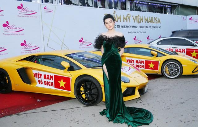 Bật mí sốc có 1-0-2 của dàn Hoa hậu Á hậu: Ngọc Hân, Huyền My… cổ vũ tuyển VN AFF Cup! - Ảnh 6.