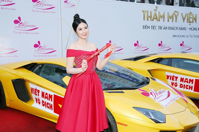 Bật mí sốc có 1-0-2 của dàn Hoa hậu Á hậu: Ngọc Hân, Huyền My… cổ vũ tuyển VN AFF Cup! - Ảnh 8.