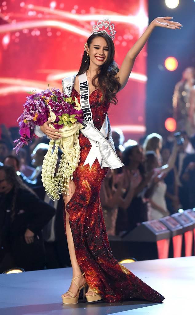 Style của tân Hoa hậu Hoàn vũ Catriona Gray: từ đầu đến cuối đều lộng lẫy như bà hoàng, phần nào đoán được trước cái kết viên mãn - Ảnh 2.