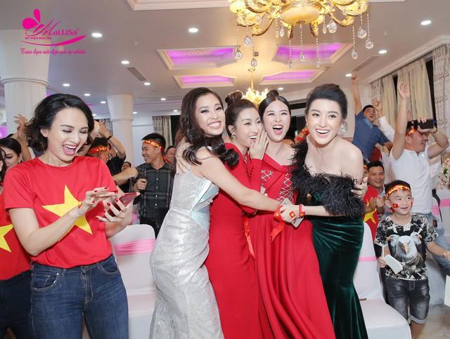 Hoa hậu Ngọc Hân, Mỹ Linh đồng loạt diện váy khoe trọn vai trần, nhưng nhìn sang Huyền My ai cũng choáng hơn cả! - Ảnh 1.