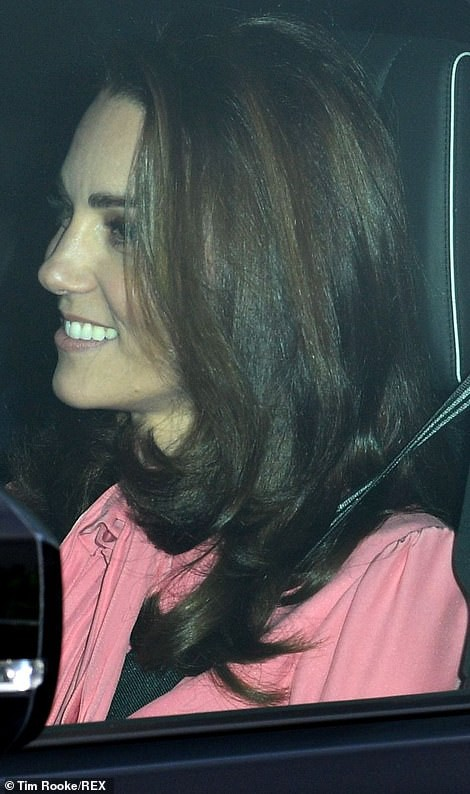 7616584-6512701-duchess_of_cambridge_today-a-7_1545246466685