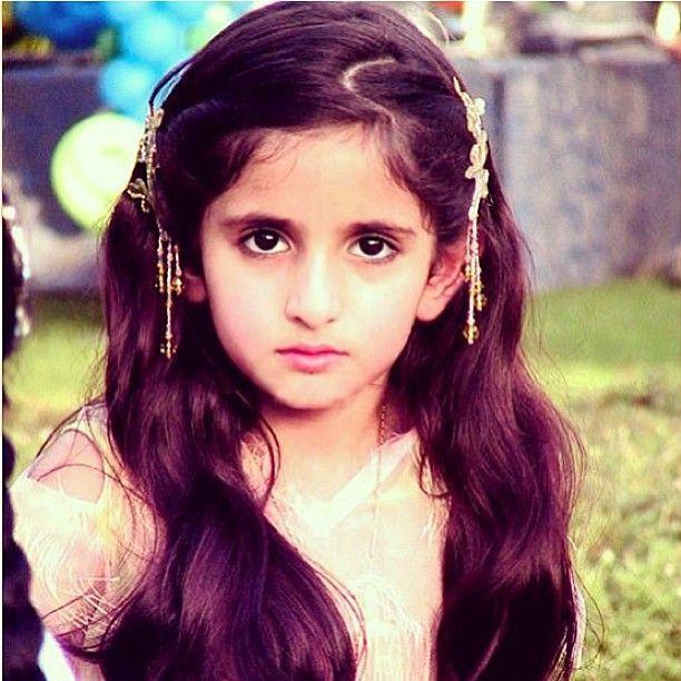 Hai tiểu công chúa Dubai từng làm chao đảo cộng đồng mạng giờ đã trưởng thành với vẻ ngoài xinh đẹp hết phần thiên hạ - Ảnh 3.