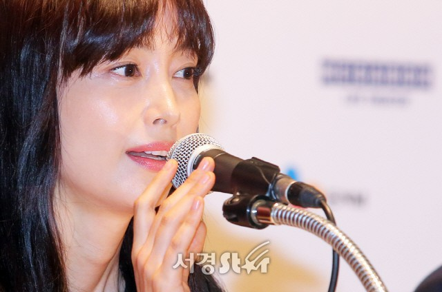 Top khoảnh khắc kém sắc gây sốc của dàn đại mỹ nhân năm 2018: Park Min Young, Nhiệt Ba phải chào thua mỹ nhân này? - Ảnh 9.