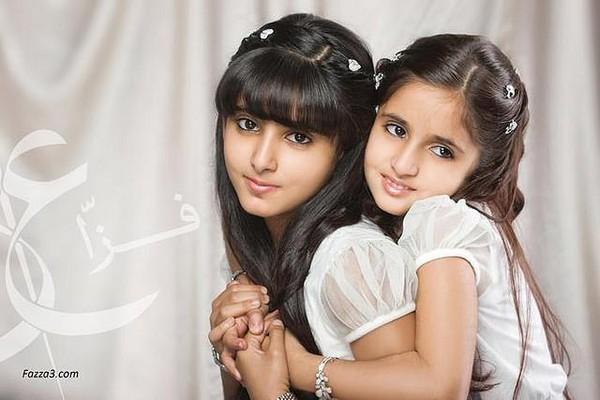 Hai tiểu công chúa Dubai từng làm chao đảo cộng đồng mạng giờ đã trưởng thành với vẻ ngoài xinh đẹp hết phần thiên hạ - Ảnh 2.