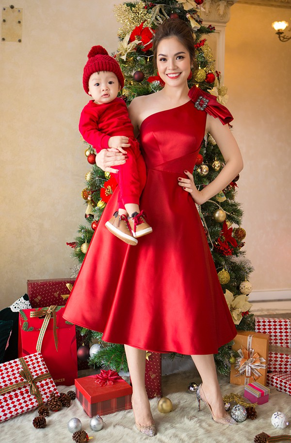 Ngắm loạt nhóc tỳ nhà sao Việt cực dễ thương trong loạt ảnh Giáng sinh, bất ngờ nhất là cô tiểu thư này - Ảnh 7.