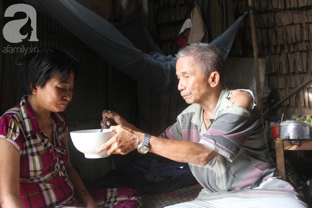 Rớt nước mắt cảnh cha già có đến 6 người con nhưng cuối đời phải chăm con gái bệnh tật không tiền chữa - Ảnh 14.