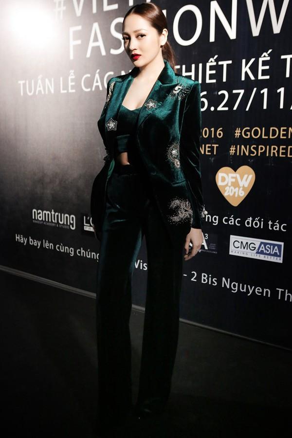 Trong khi Chi Pu loay hoay để mặc đẹp, thì HHen Niê đã thuần hóa ngay được kiểu quần này tại chung kết Miss Universe - Ảnh 7.