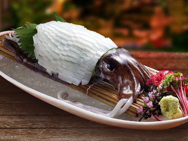 Nhà hàng Sushi Hokkaido Sachi – Thiên đường của món Sashimi mực sống ngon tuyệt, bạn đã thử chưa? - Ảnh 2.