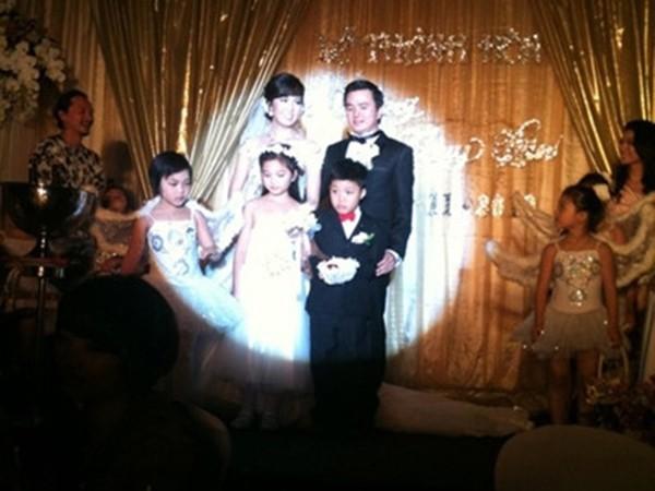 Thông tin hiếm hoi về chồng đại gia, hơn 8 tuổi của Á hậu Thụy Vân - Ảnh 2.