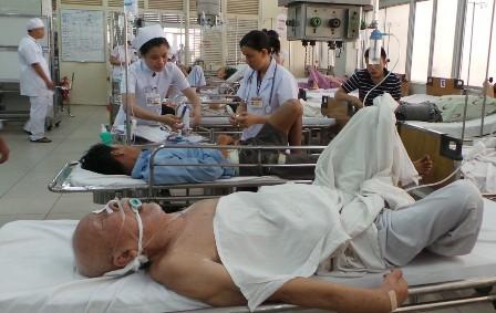 Phó viện trưởng Viện Tim mạch: 5 nhóm người sau dễ bị đột quỵ, cần đặc biệt đề phòng - Ảnh 1.