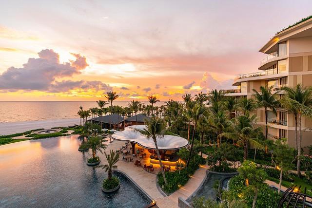 Intercontinental Phu Quoc Long Beach Resort đạt cú đúp 3 giải thưởng danh giá tại World Travel Awards 2018 - Ảnh 3.