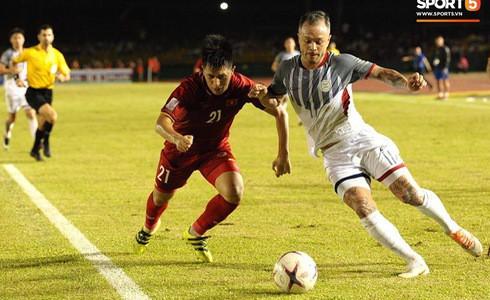Phá dớp Mỹ Đình hạ Philippines, đội tuyển Việt Nam vào chung kết AFF Cup sau 10 năm chờ đợi - Ảnh 12.