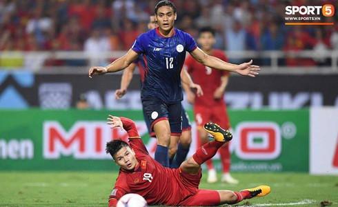 Phá dớp Mỹ Đình hạ Philippines, đội tuyển Việt Nam vào chung kết AFF Cup sau 10 năm chờ đợi - Ảnh 3.