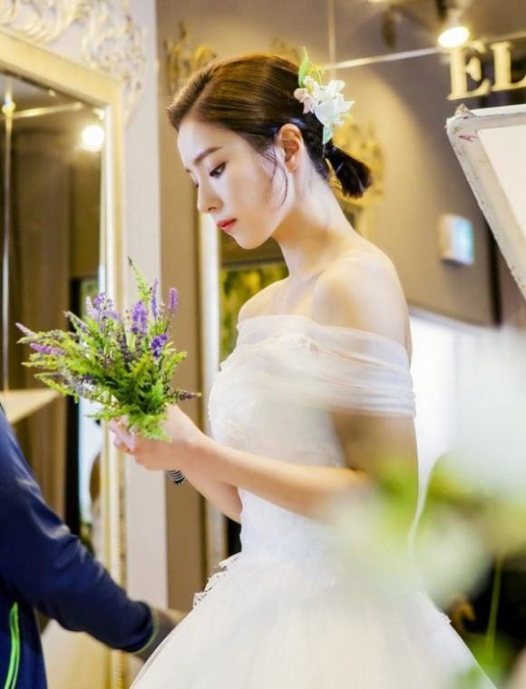 Sắp tổ chức hôn lễ, vậy mà tôi lại để mất chồng chưa cưới vào tay một người đàn bà góa  - Ảnh 1.