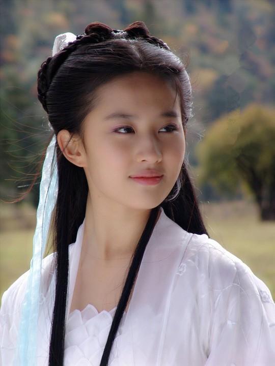 Muôn kiểu đu dây của Tiểu Long Nữ qua từng phiên bản: Ấn tượng nhất vẫn là Cô Cô của Vu Chính! - Ảnh 13.