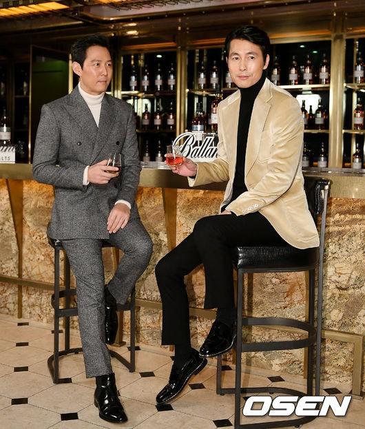 2 ông chú độc thân hấp dẫn nhất xứ Hàn dự sự kiện: U50 vẫn sexy, cực phẩm một thời đọ sắc cùng khung hình - Ảnh 2.