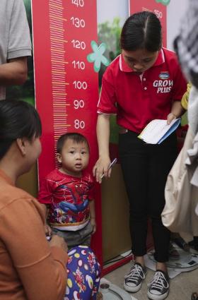 Vinamilk chung tay cùng hội nhi khoa khởi động chương trình cho trẻ suy dinh dưỡng, thấp còi - Ảnh 5.