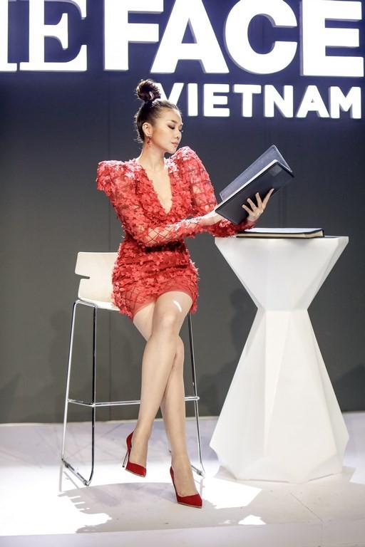The Face 2018: Thanh Hằng thắng lớn nhưng lại bỏ lỡ cơ hội ăn miếng trả miếng với Võ Hoàng Yến - Ảnh 1.